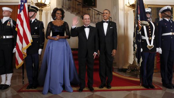 Michelle et Barack Obama accueillent François Hollande, à la Maison Blanche, à Washington (Etats-Unis), le 11 février 2014.