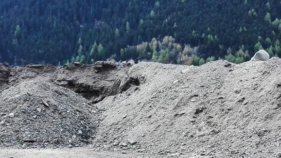 Décharge de roche, près du chantier du tunnel Lyon-Turin