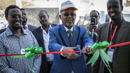 """Le vice-président du Somaliland,Abdirahman Saylici, inaugure le premier \""""pôle de l\'innovation et de l\'entreprise\"""" lors de la Semaine de l\'entrepreneuriat global à Hargeisa, capitale de cette république autoproclamée, le 12 novembre 2018."""