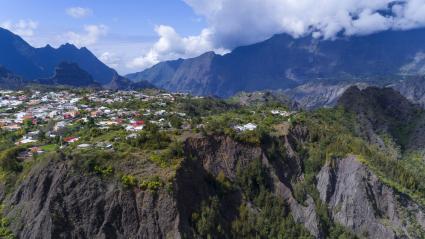"""Extension des réserves naturelles, abandon de la """"Montagne d'or""""... Les six décisions du Conseil de défense écologique"""