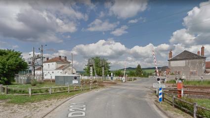 Accident à un passage à niveau : ce que l'on sait de la collision entre un train et une voiture qui a fait quatre morts dans la Marne