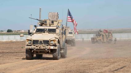 Des soldats américains et turcs à la frontière turco-syrienne, le 8 septembre 2019.