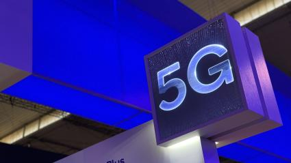 Signalétique 5G sur un stand au salon Mobile World Congress de Barcelone (télécom) en février 2019.