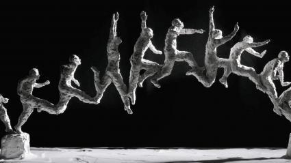 Les sculptures en mouvement d\'Emilie Tolot prennent vie dans une exposition à Lyon